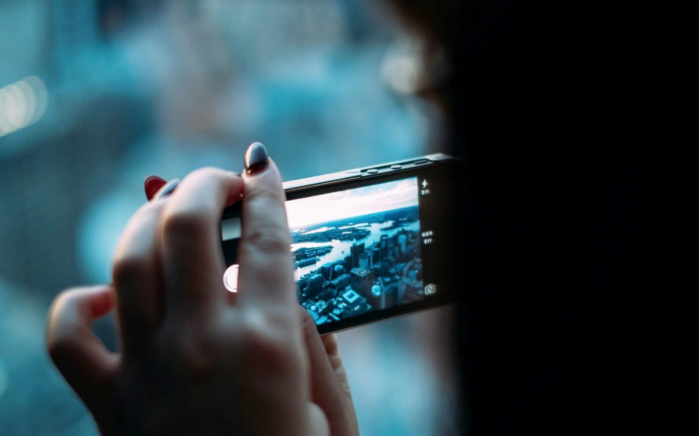 Neue Video-Laenge auf Twitter und Online-Kaufverhalten von B2Blern